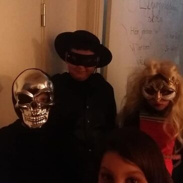 Vi ordnar Halloweenparty!